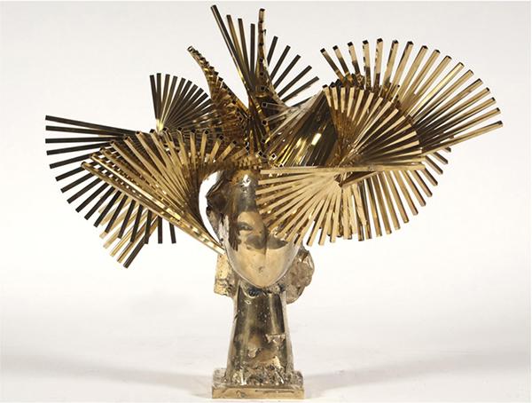 Ivy Cabeza de Biarritz Dorada gold aluminum sculpture by artist Manolo Valdés