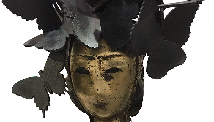 Detail of Manolo Valdes' Mariposas bronze sculpture, 24 x 12 1/2 x 6 inches (61 x 31.8 x 15.2 cm)