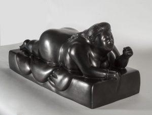 "Fernando Botero's ""Donna sdraiata sul pancia con pallina"" bronze sculpture"